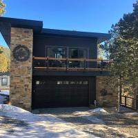 Treehouse 1BR with Hot Tub, hotel in Black Hawk