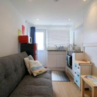 Pebbles Apartment, hotel in Seaford
