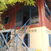 Meas Family Homestay, hotel in Angk Ta Saom