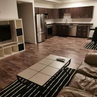 BRAND NEW 3 BEDROOM HOME, hotel em Portage La Prairie