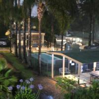Bateman Bay Holiday Park & YHA, hotel em Batemans Bay