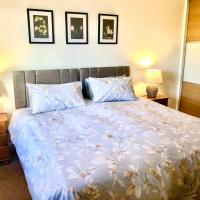 Wisteria Cottages are self catering cottages in a beautiful village location, hotel in Dorrington