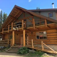 Arctic Divide Lodge, hotel em Dease Lake