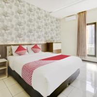 OYO 1024 Palem Asri Residence Syariah, hotel in Batu