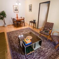 Retro Apartment, hotel in Brezno