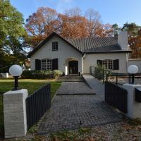 Luxury Villa with Jacuzzi in Arcen en Velden