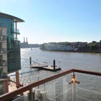 Thames Riverside Apartment