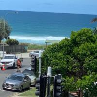 Beach bliss, hotel in Gold Coast