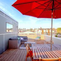 Ballard Oasis, Stylish and Modern with Rooftop Views, hotel in Ballard, Seattle