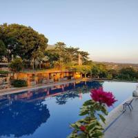 Blessing Hills Family Resort & Hotel, hotel in Mojokerto