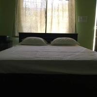 Nakshatra Guest house, hotel in Virajpet