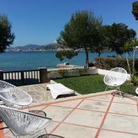 CASA FARO Spacious, Ground Floor Property on the Pine Walk, Covered terrace with Sea Views. Wifi/Air Con