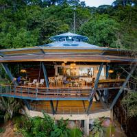 La Loma Jungle Lodge and Chocolate Farm, hotel in Bastimentos