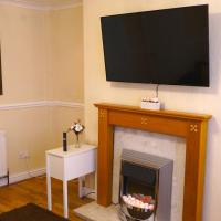 Large & Cosy House ! Perfect for Contractors, Families & Groups ! Sleeps 11 Guests ! Amazing Value !