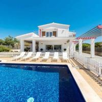 VILLA DALIA Exclusiva villa de diseño en tranquilo entorno