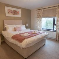 Melrose Gardens - Spacious Home with Parking