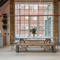 Stylish 2-bed loft apartment near Battersea Park, South London