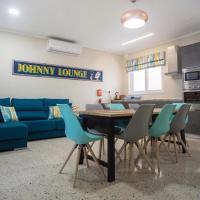 Johnny`s apartment