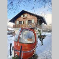 Chalet BLACKCOMB HOUSE ALPS close the ski piste and lake