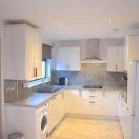 3 Bedroom-Kelpies Serviced Apartments Bruce, hotel in Falkirk