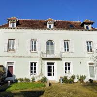 Villa Clément Sens Appart'Hotel, hotel in Sens