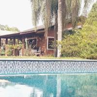 LINDA CHACARA EM CONDOM 30 MIN DE SP piscina, churrasqueira, wifi, 5 quartos