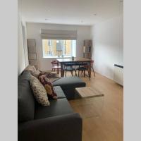 Cozy Academic 2 bed apartment near Canary Wharf