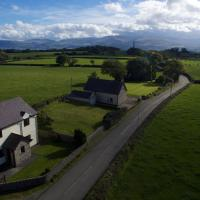 Detached 4-Bed Farmhouse Beaumaris STUNNING VIEWS!