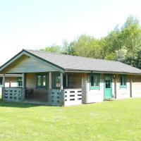 Lake Pochard Holiday Lodges, hotel in South Cerney