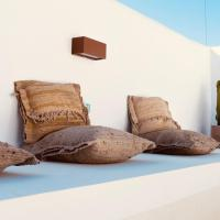Casa Stellar - boutique villa with private heated pool and sea view - sustainably solar powered