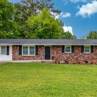 Clean & Close to Kennestone Hospital 4 Bedroom Property In Marietta