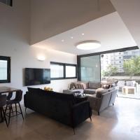 Amazing Luxury Villa with Ocean View, hotel near Sde Dov Airport - SDV, Tel Aviv