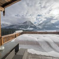 Luxury chalet with 3 bathrooms, near small slope