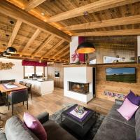 Top class chalet with 4 bathrooms near small slope