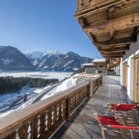 Luxury chalet with 5 bathrooms, near a small slope