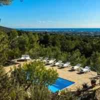5 bedroom house with stunning views, close to Ibiza Town