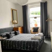 Ilfracombe harbour life apartment