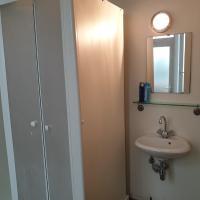 1-2 bedroom apartments close to EU district.