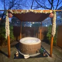 Hot tub room in Camden Town