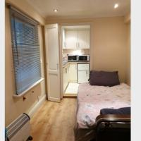 studio flat in Central London w2