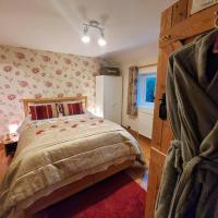 Self-Catering Suite Apartment with Countryside views near Lyme Regis - Contactless Check-In