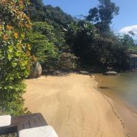 Casa em ilha com praia particular
