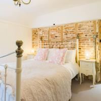 Oast Barn Cottage, hotel in Faversham