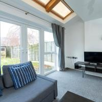 GuestReady - Family Home in Salford