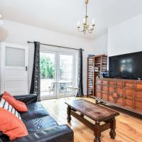 Chingford Apartment