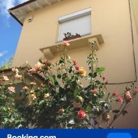A casa do bairro, hotel near Humberto Delgado Airport - LIS, Lisbon