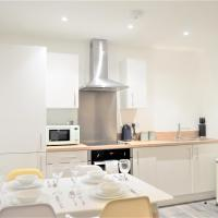 Royal Suite, Elegant spacious 2 bed apartment in the city centre - perfect for work or leisure!