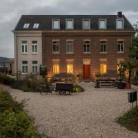 Domein Holset BruisendWijnHuis, hotel in Lemiers