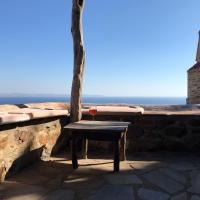 PANAYIOTIS, a Unique Stone Built House with Amazing Views, ξενοδοχείο στη Βολισσό