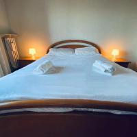 COMFORT LIVING APARTMENT con ampia cucina, hotell i Orbassano
